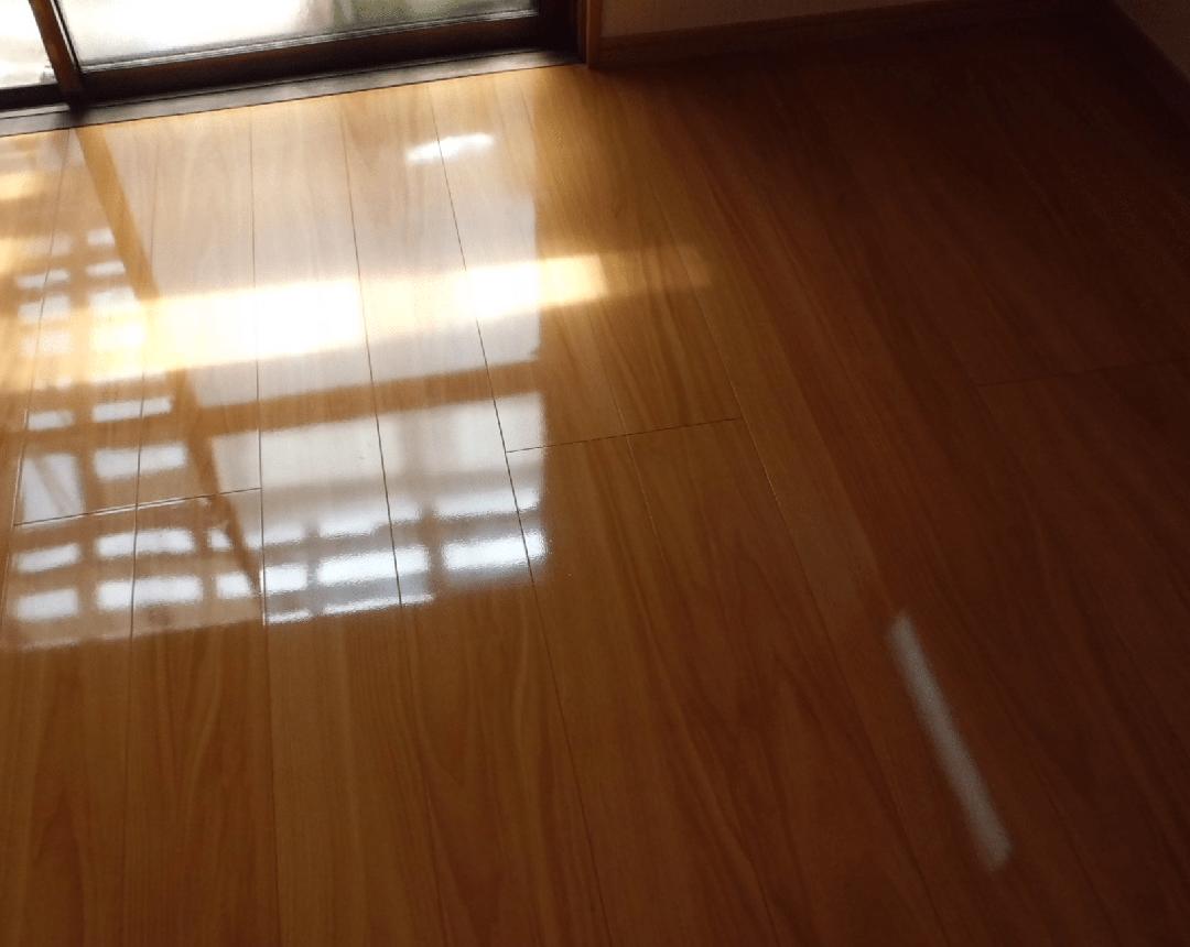 3.滑りの防止及び移動の円滑化等のための床または通路面の材料の変更。 - リフォーム後